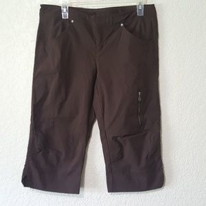 NWOT comfortable Athleta Capri pants